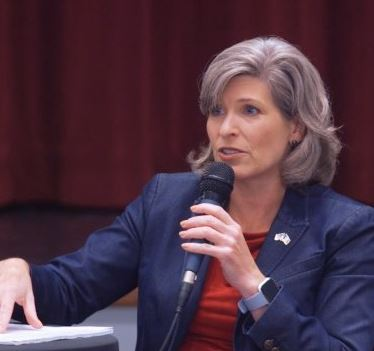 Joni Ernst Phone Number, Email, Fan Mail, Address, Biography, Agent, Manager, Mailing address, Contact Info, Mailing Addresses