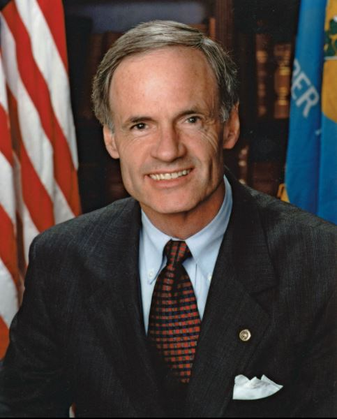 Thomas R. Carper Contact Number, Email, Fan Mail, Address, Biography, Agent, Manager, Mailing address, Contact Info, Mailing Addresses